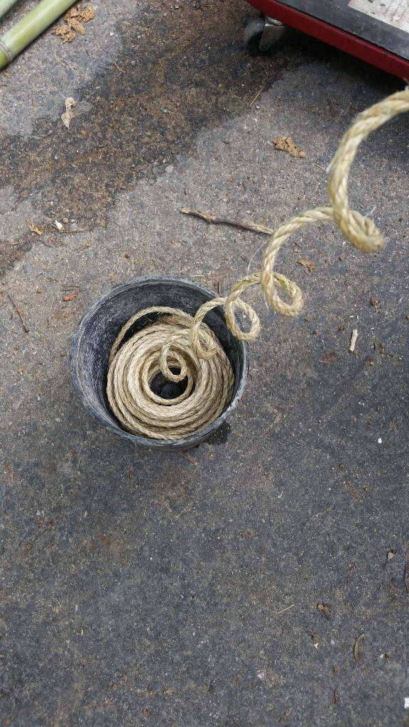 Measure out approximately 6' of rope for each