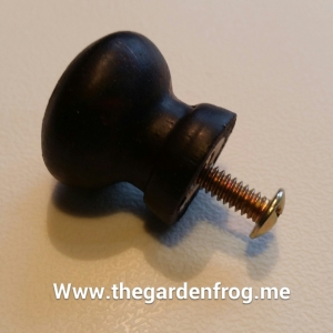 This is the plain wooden knob