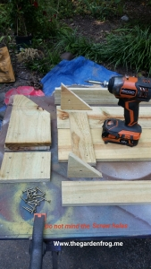 Build your rustic garden bench for $4